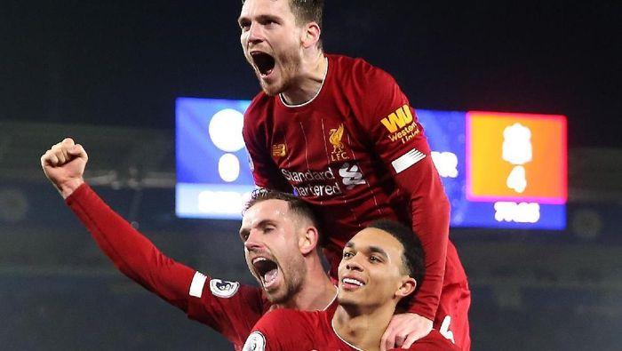 Liverpool kukuh di puncak klasemen Liga Inggris menuju pergantian tahun. (Foto: Alex Pantling/Getty Images)