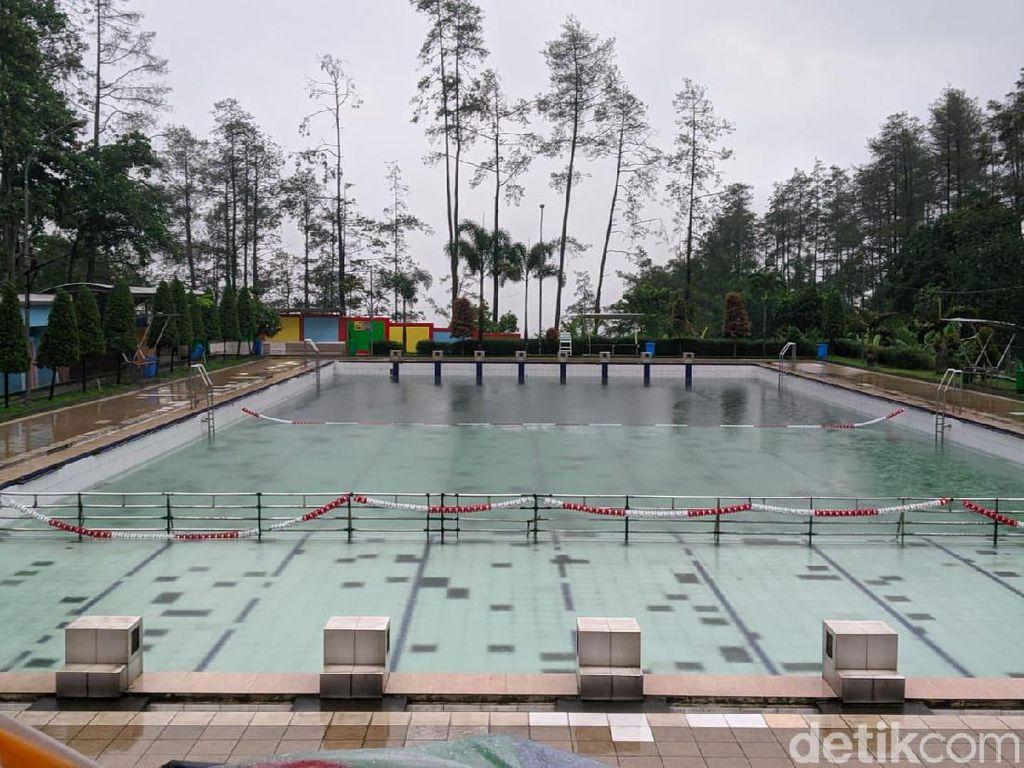 Banjir Bandang, Pemandian Air Panas Padusan Pacet Ditutup
