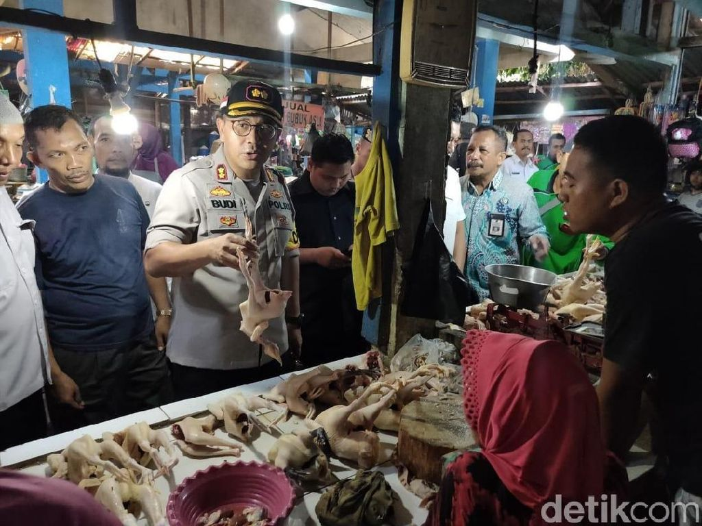 Jelang Tahun Baru, Tim Satgas Pangan Bojonegoro Sidak Pasar