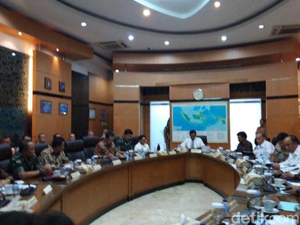 Menko Mahfud Gelar Rapat Paripurna Bahas Perkembangan di Papua