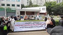 Massa Aksi Bela Muslim Uighur Mulai Datangi Kedubes China