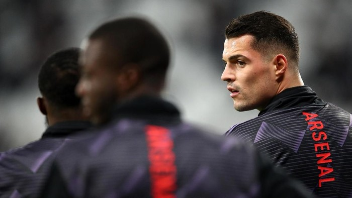 LONDON, ENGLAND - DECEMBER 09: Granit Xhaka of Arsenal warms up during the Premier League match between West Ham United and Arsenal FC at London Stadium on December 09, 2019 in London, United Kingdom. (Photo by Julian Finney/Getty Images)