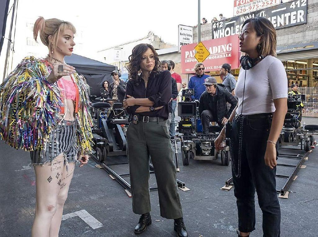 Aksi Harley Quinn dan Jepitan Rambut di Birds of Prey