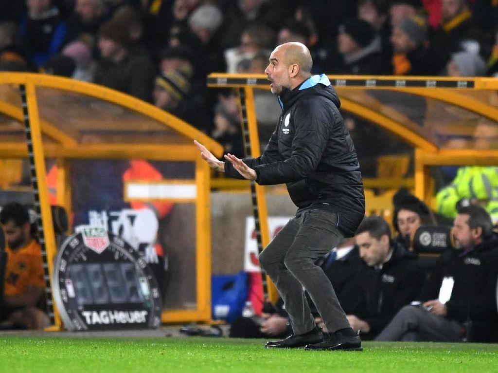 Josep Guardiola Tegaskan Man City Belum Lempar Handuk