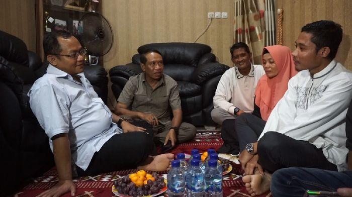 Menpora Zainudin Amali mengunjungi Evan Dimas (Foto: Deny Prastyo Utomo)