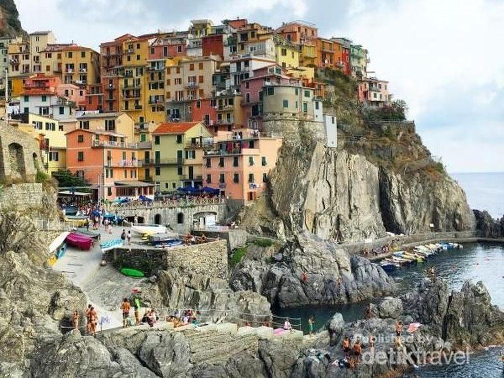 Salam Hangat dari Desa Warna-warni Terindah UNESCO
