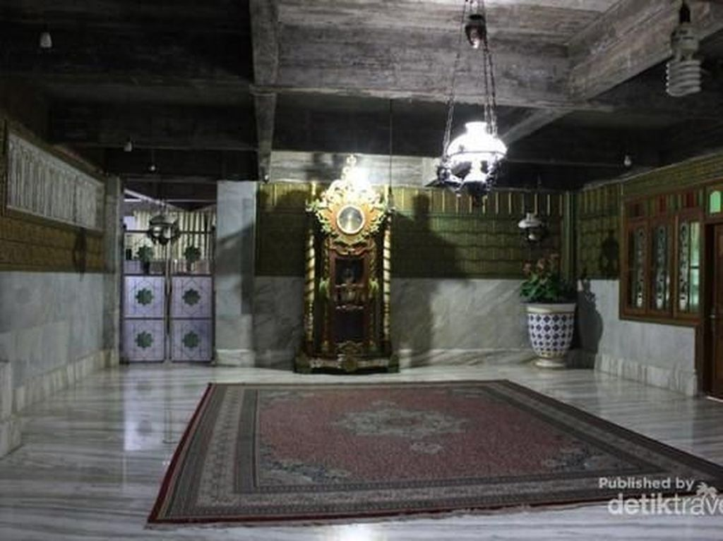 Masjid Tiban, Antara Mitos dan Kenyataan