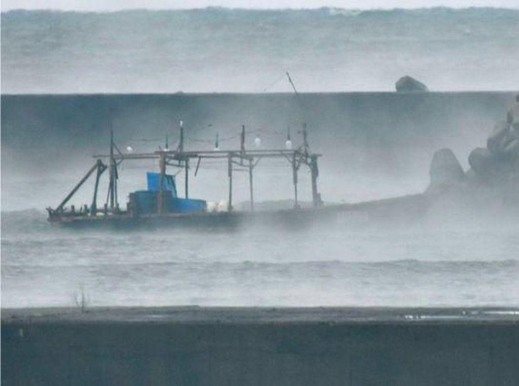 Foto: Fenomena Kapal Hantu di Jepang