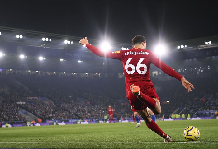 LEICESTER, ENGLAND - DECEMBER 26: Trent Alexander-Arnold takes a corner during the Premier League match between Leicester City and Liverpool FC at The King Power Stadium on December 26, 2019 in Leicester, United Kingdom. (Photo by Michael Regan/Getty Images)
