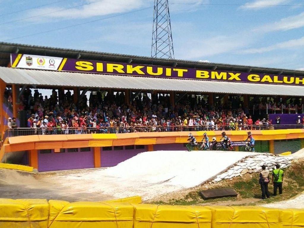 119 Pebalap Ikuti Kejuaraan BMX Super Cross di Ciamis