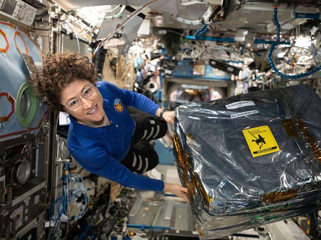 Hebat! Astronot Perempuan Ini Paling Lama Tinggal di Luar Angkasa