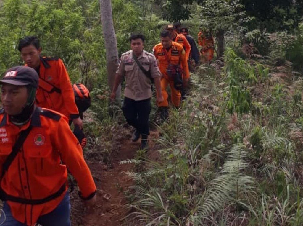 Basarnas Terus Cari Remaja Cianjur yang Hilang di Hutan