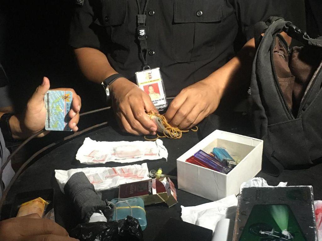 Razia Diskotek Monggo Mas Jakarta, Polisi Temukan Sabu di Tas Sekuriti