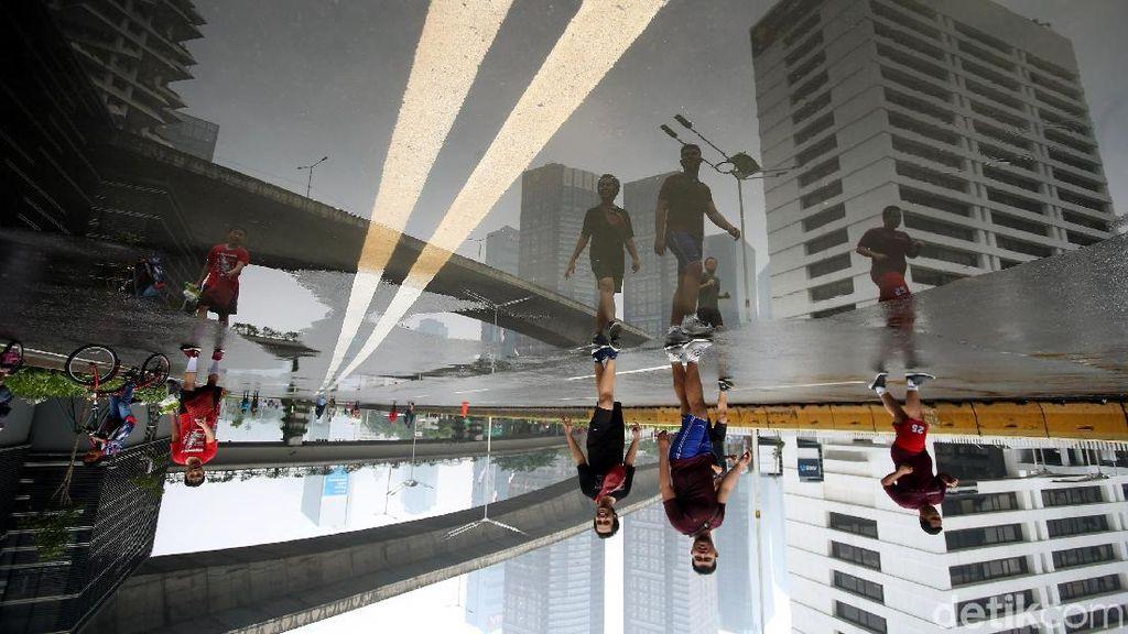 CFD Jakarta Tetap Ramai Meski Diguyur Hujan
