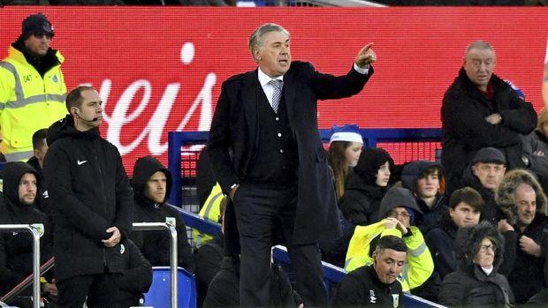 Carlo Ancelotti saat menangani Everton di Liga Inggris.