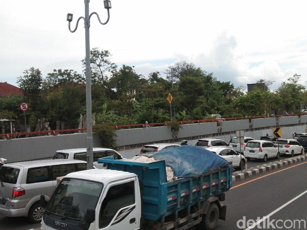 Tiket Pesawat Mahal Bikin Bali Kebanjiran Mobil dari Luar Kota!