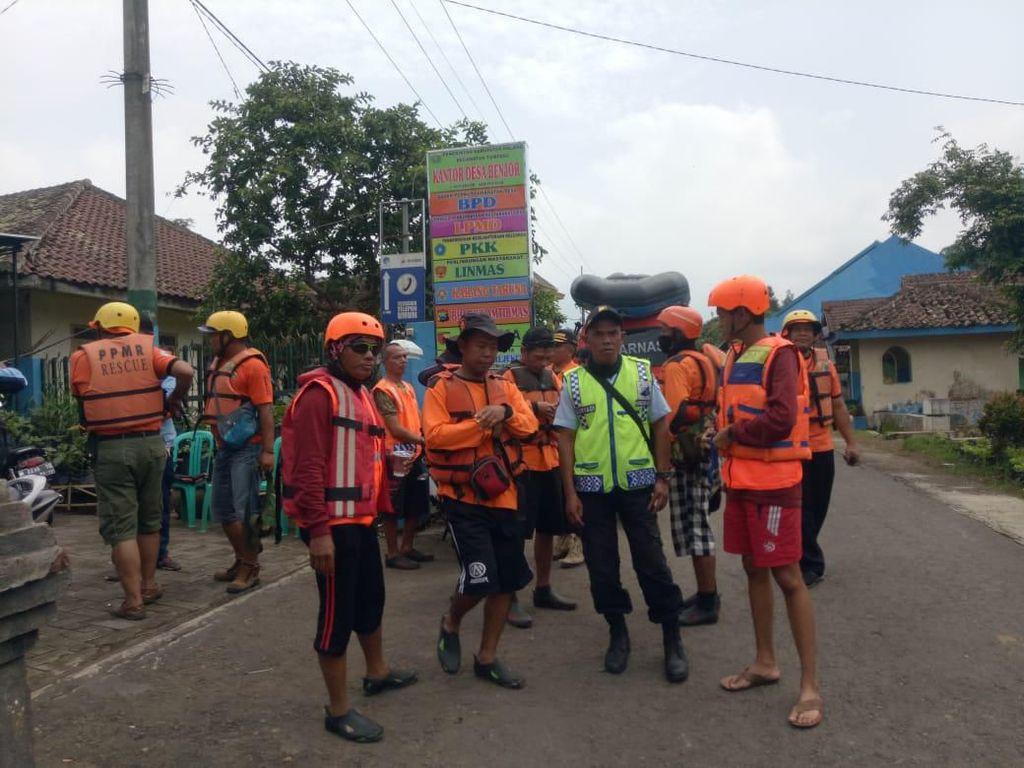 Dua Wisatawan Surabaya Hilang Terseret Arus di Coban Sinde Malang