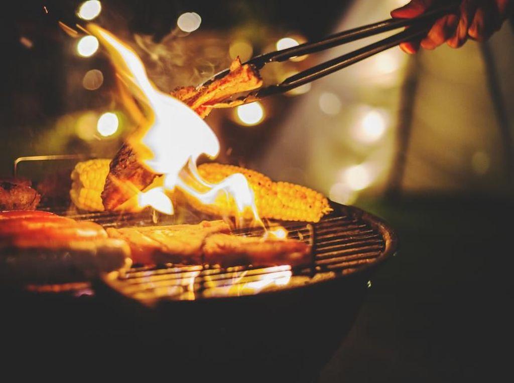 Ini Cara Hemat & Praktis Buat Persiapan Pesta BBQ Malam Tahun Baru