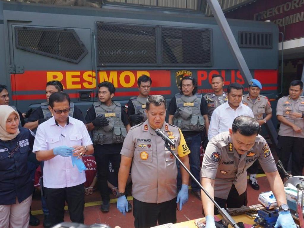 Polisi Tangkap Perakit Senjata Api Ilegal di Lampung Timur