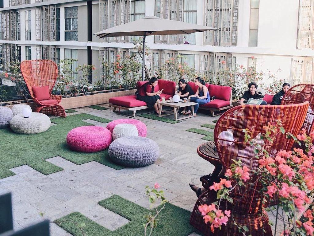 Di Malam Tahun Baru 5 Restoran Rooftop Ini Bisa Jadi Tempat Makan Romantis