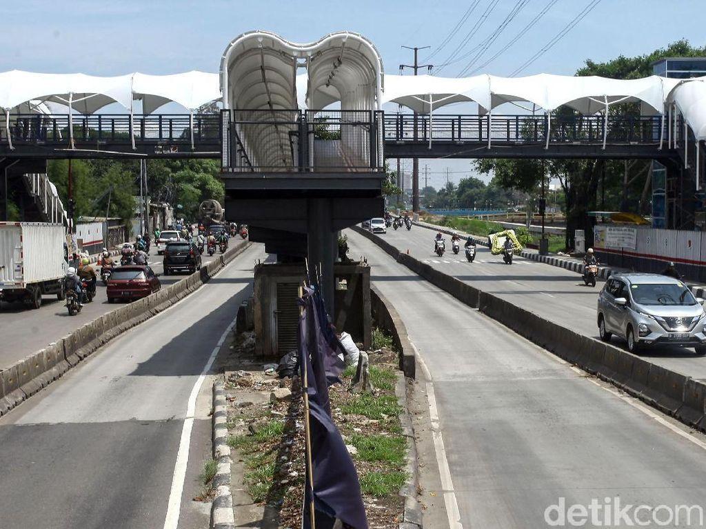 Dulu Ditabrak Truk, JPO Jembatan Gantung Kini Instagramable