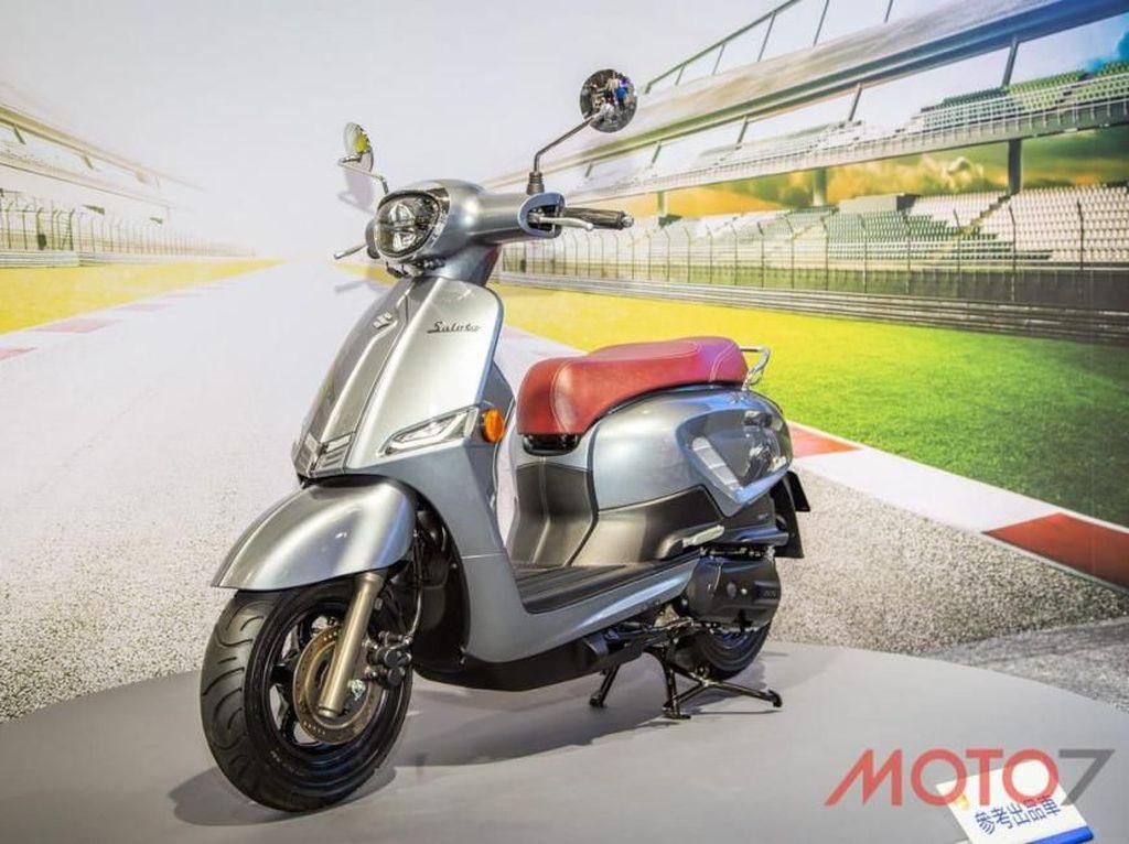 Tantang Vespa cs, Suzuki Luncurkan Saluto 125