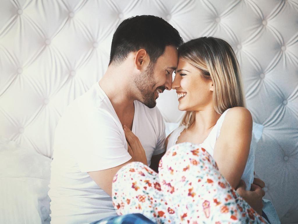 7 Manfaat Ciuman Bibir untuk Suami - Istri, Bukan Sekadar untuk Seks