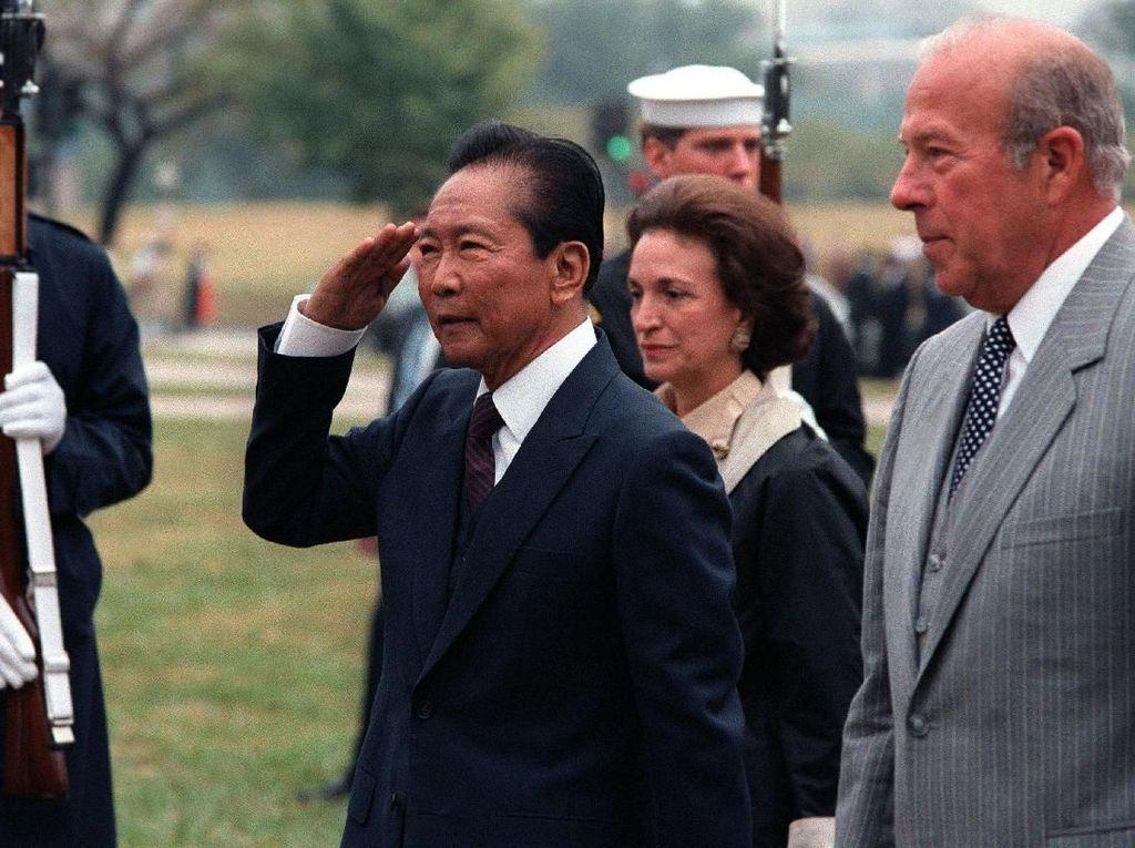 Marcos, Diktator Filipina yang Kabur dengan 24 Emas Batangan