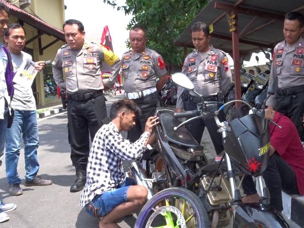 Kapok! Pebalap Liar Jadi Montir Dadakan di Polres Rembang