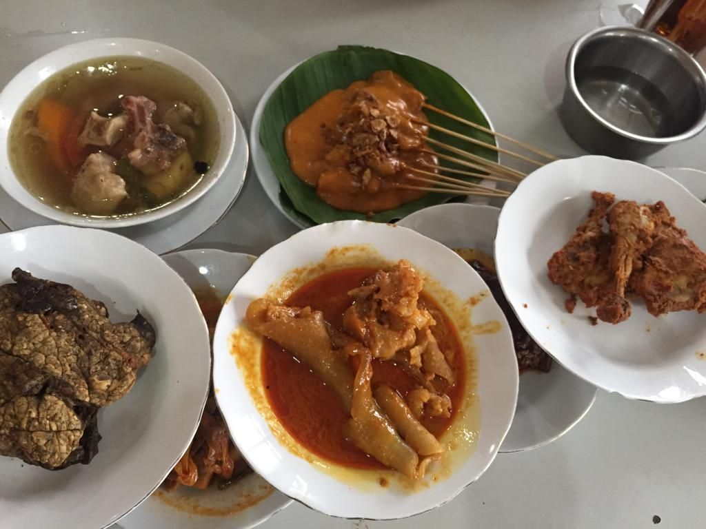 Restoran di DKI Boleh Buka 8 Juni, RM Padang Dilarang Mini Prasmanan