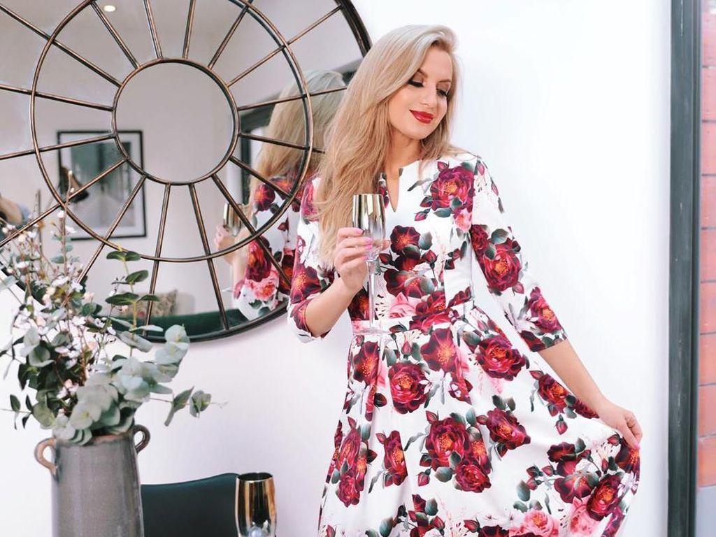Model Lingerie Raup Belasan Juta Sekali Posting Foto Seksi di Instagram