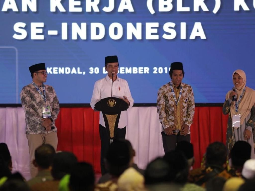 Resmikan BLK di Kendal, Jokowi: Persaingan Bukan Adu Ijazah tapi Skill