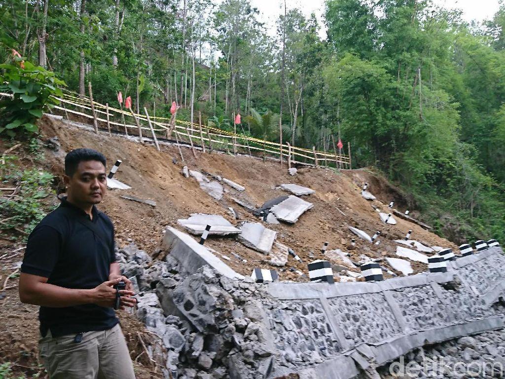 Baru Saja Dibangun, Plengsengan Sungai di Trenggalek Sudah Ambrol
