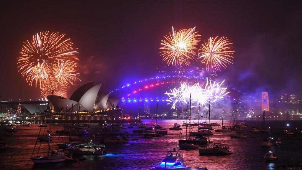 Foto Meriahnya Pesta Kembang Api Tahun Baru di Negeri Kanguru