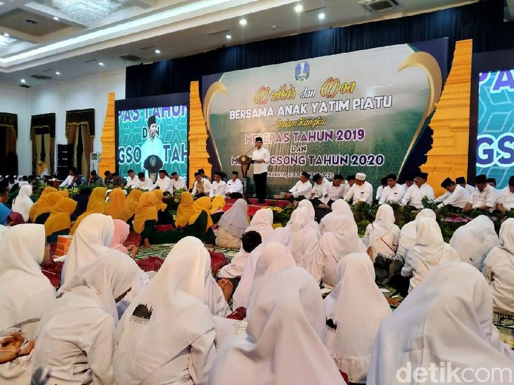 Songsong 2020 Lebih Baik, Pemprov Jatim Gelar Doa Bersama Ribuan Yatim Piatu