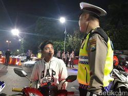 Remaja Madura Ini Gagal Tahun Baruan di Surabaya dan Bingung Caranya Pulang