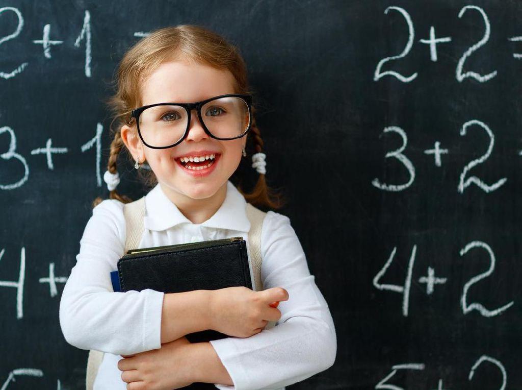10 Sifat Orang Cerdas Menurut Pakar, Kamu Banget Nggak Nih?