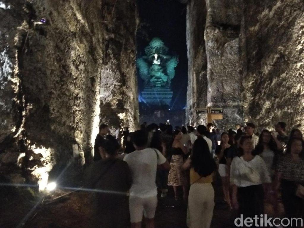 GWK Bali Banjir Pengunjung, Ada Pesta 20.000 Kembang Api