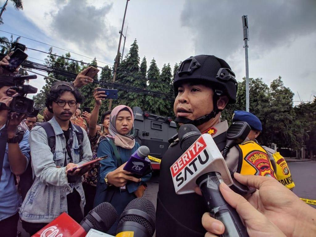 Polisi: Tas Mencurigakan di Masjid Sunda Kelapa Berisi Baju-Sarung