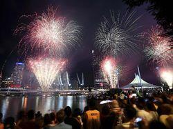 Pesta Kembang Api Mulai Berlangsung di Australia