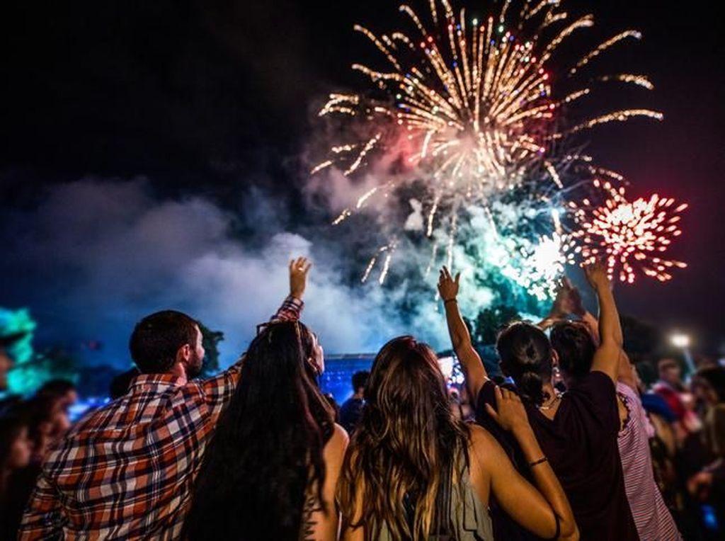 7 Tips Awali Tahun Baru dengan Bahagia dan Penuh Percaya Diri