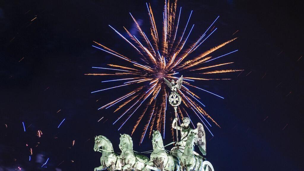 Pesta Kembang Api Tahun Baru 2020 di Berbagai Negara
