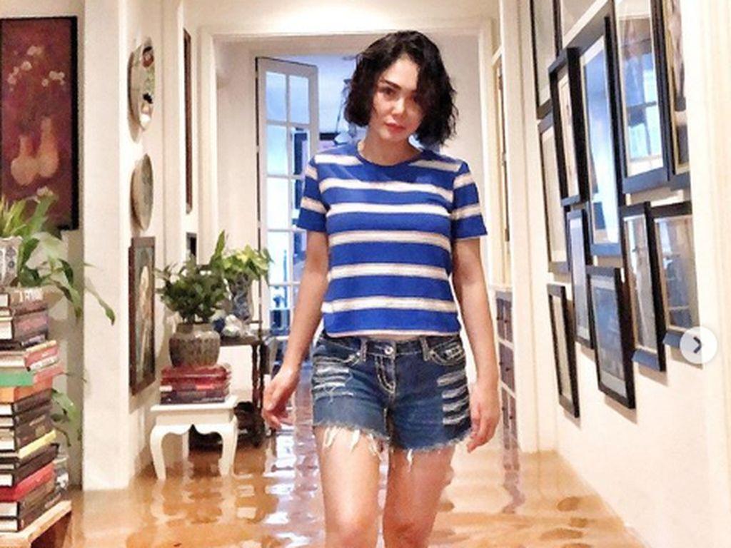 Cara Berpakaian saat Banjir Jadi Sorotan, Ini Penjelasan Yuni Shara