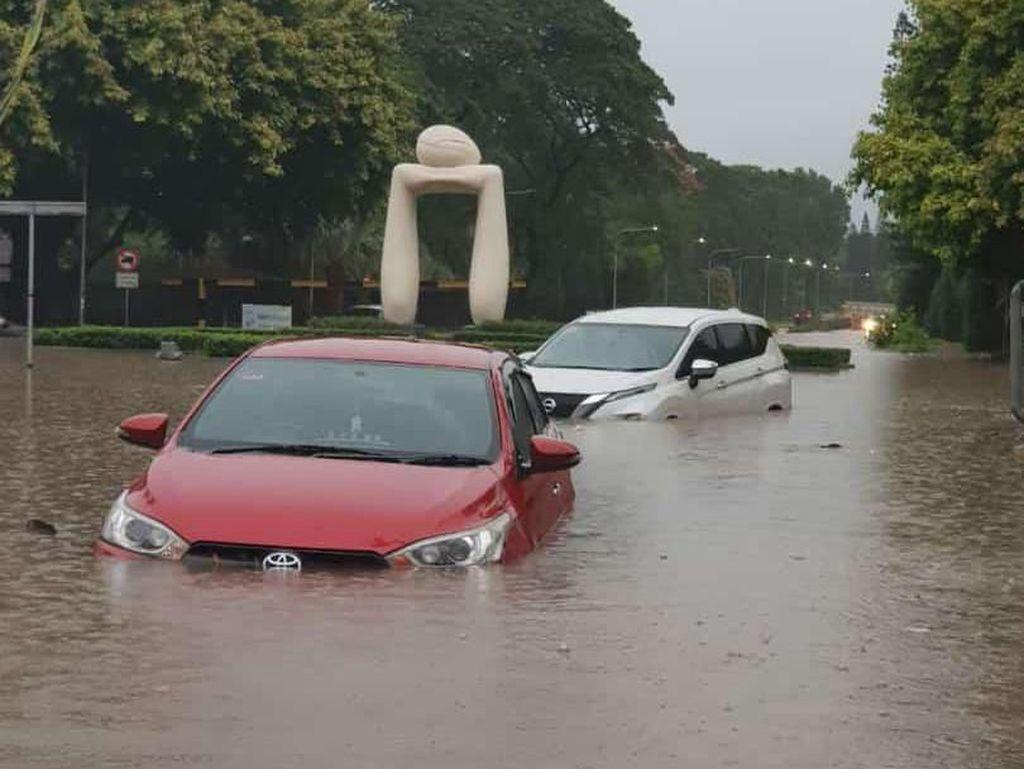 Berapa Biaya Perbaikan Mobil yang Terkena Banjir?