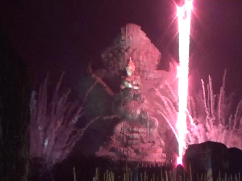 20 Ribu Kembang Api Meriahkan Perayaan Tahun Baru di GWK Bali