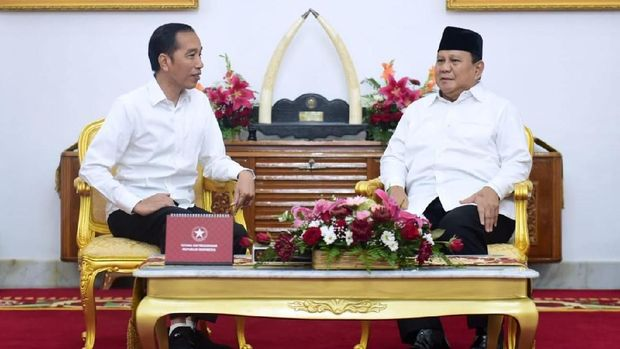 Presiden Joko Widodo (Jokowi) bertemu Menteri Pertahanan Prabowo Subianto di Istana Kepresidenan Yogyakarta, Rabu (1/1). Foto: Biro Pers Sekretariat Presiden