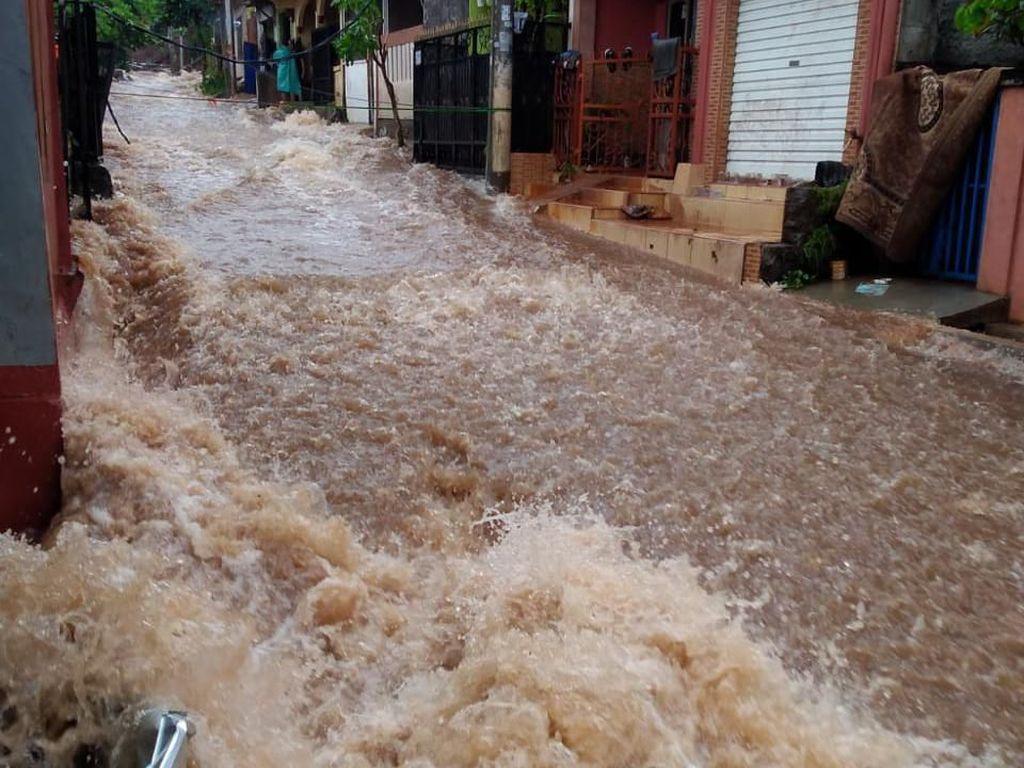 Tanggul Jebol di Perumahan Citayam, 1 Orang Tewas Terseret Arus Banjir