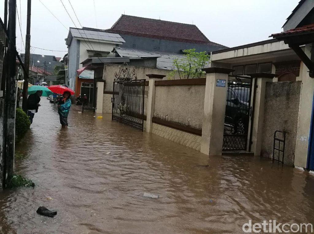 Antisipasi Banjir di Musim Hujan, Perlu Asuransikan Rumah?