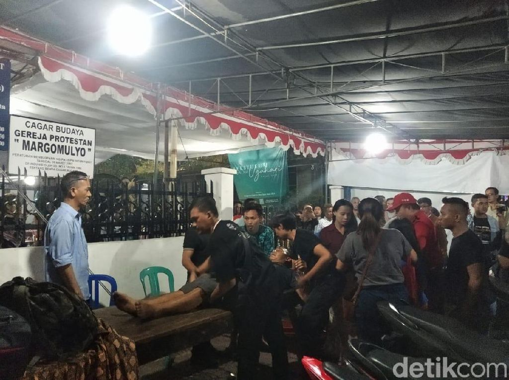 Korban Letupan Kembang Api Tahun Baru di Malioboro Dilarikan ke RS