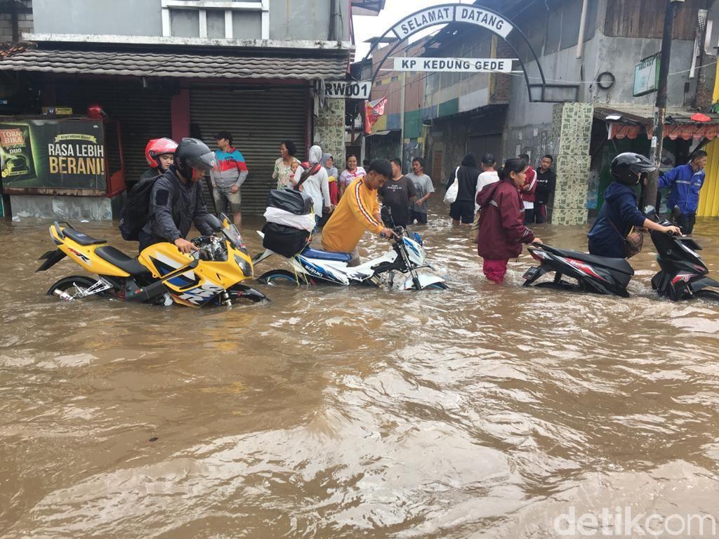 Tambun Masih Terendam Banjir 80 Cm